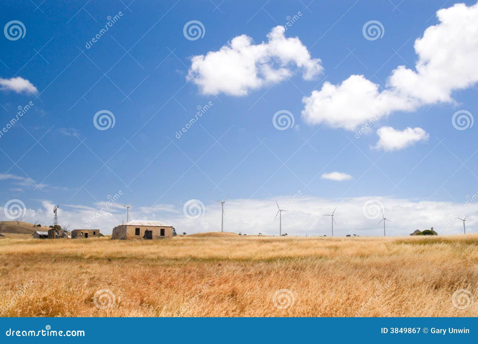 Tło domu wiejskiego turbiny wiatr
