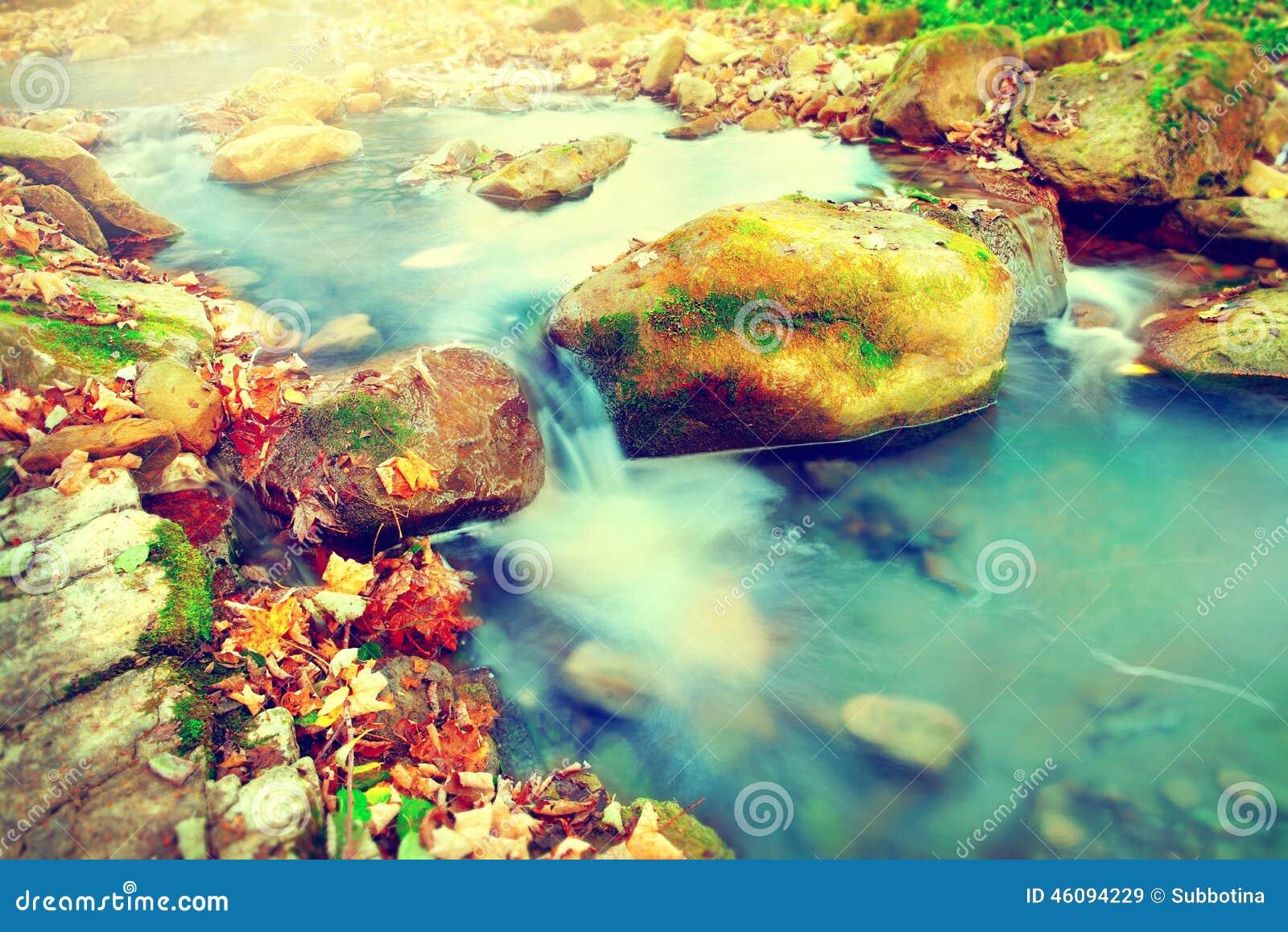Tło kamienie halni naturalni rzeczni