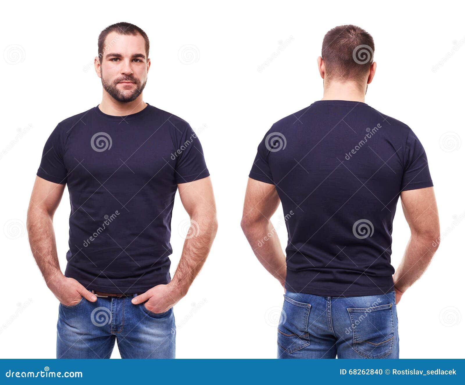 黑T恤杉的英俊的人