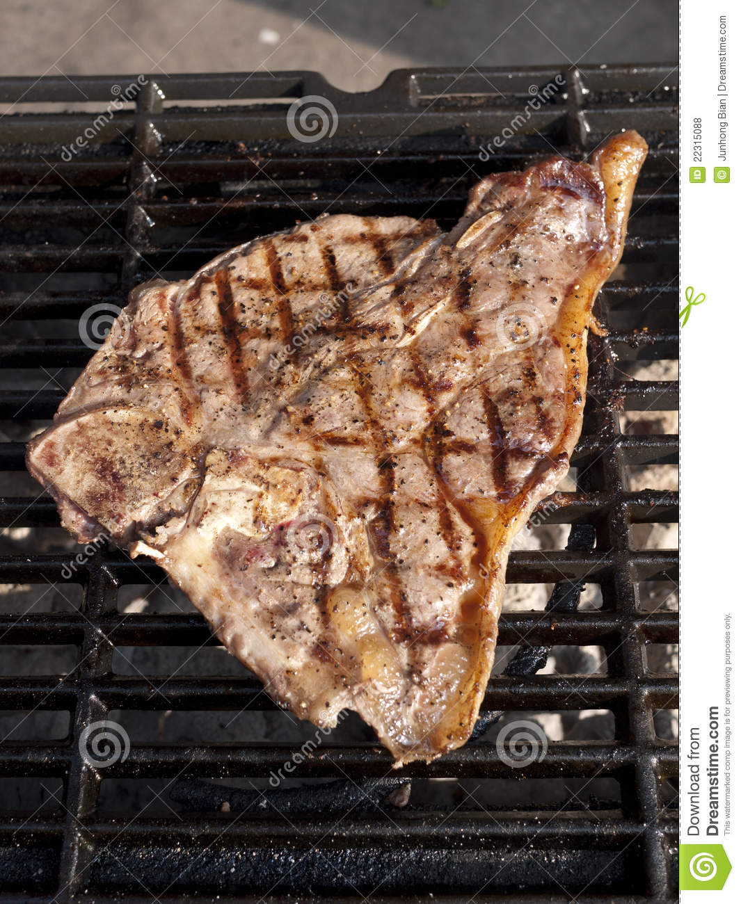 T-Bone On Grill Royalty Free Stock Photos - Image: 22315088