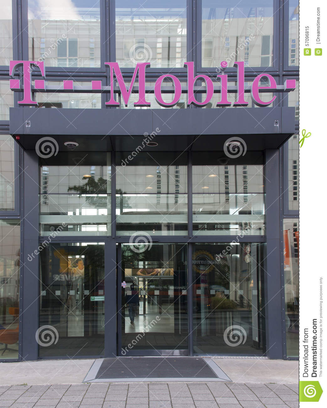 T-mobile store editorial image. Image of shop, wireless ...