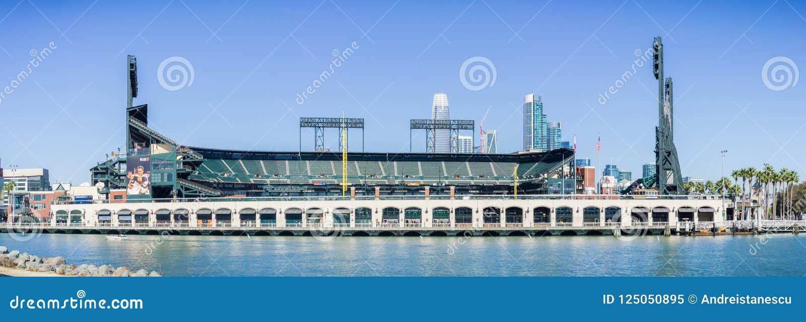 AT&T parkerar baseballarenan