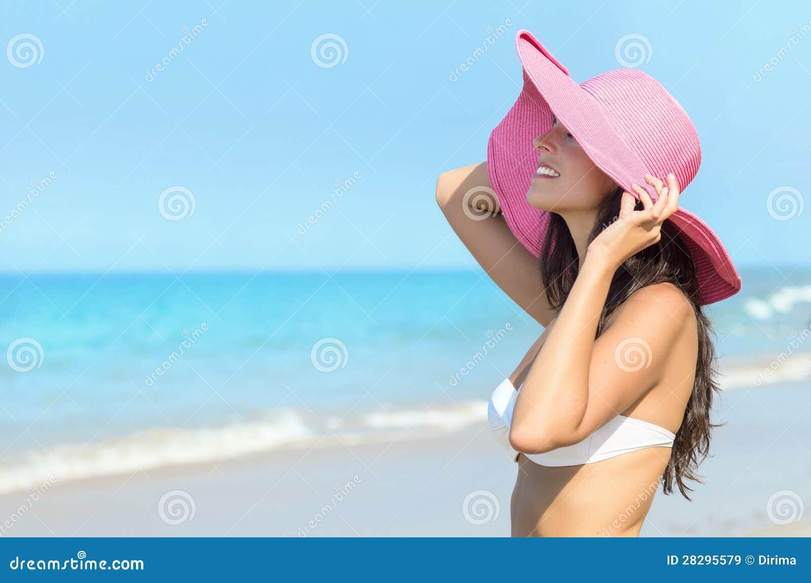 Les filles des plages pour nudistes VIDEO