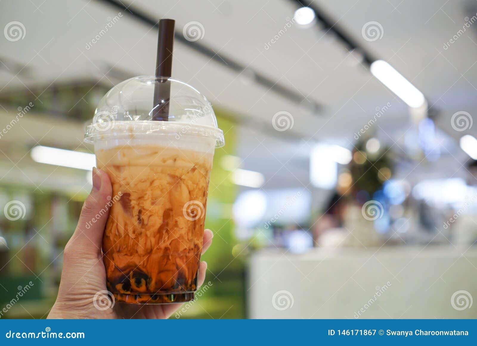 T? tailandese con zucchero bruno e la bolla