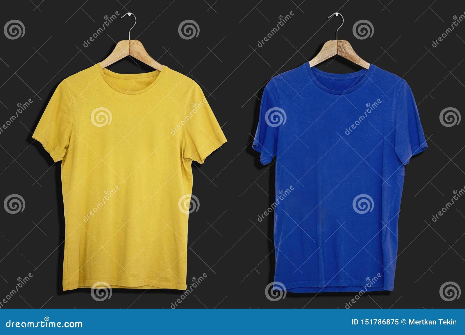 T-tröjamodell och mall på isolerad bakgrund för mode och textilformgivare