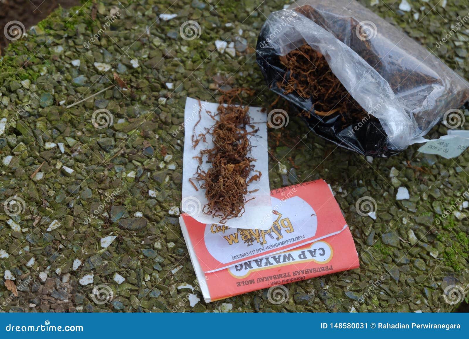 Tabaco mezclado listo para rodar