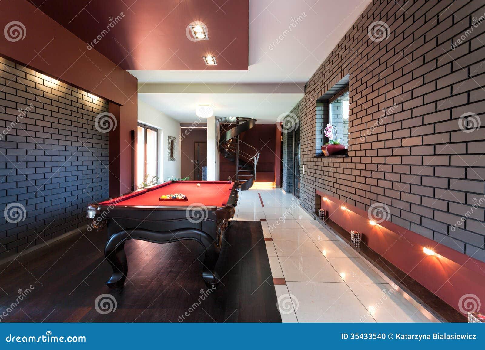 Tabela de sinuca no interior luxuoso