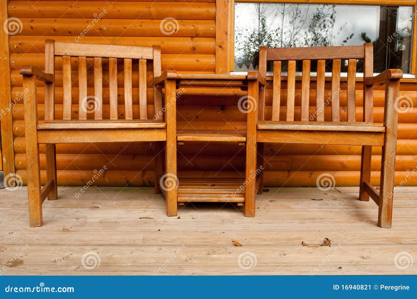 Tabela E Cadeira Dois Na Varanda Imagem de Stock Imagem: 16940821 #B34D03 1300x950