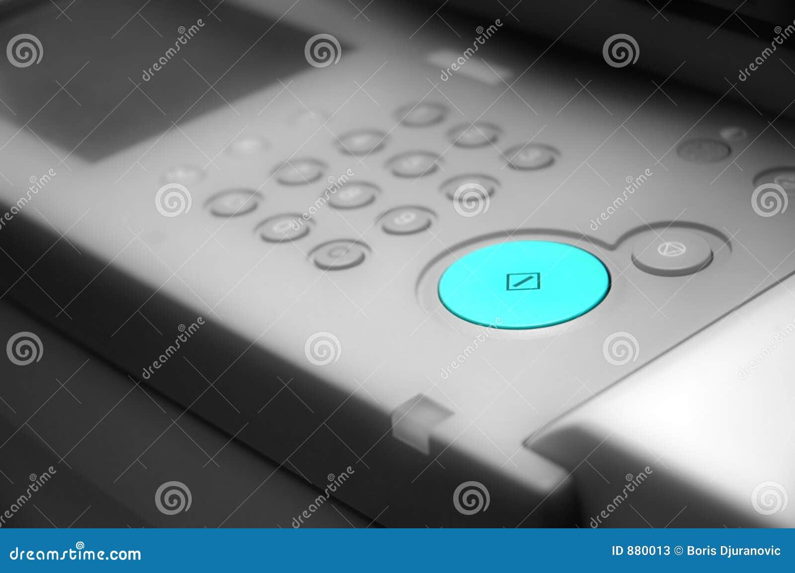 Tabela preto e branco do comando com tecla verde
