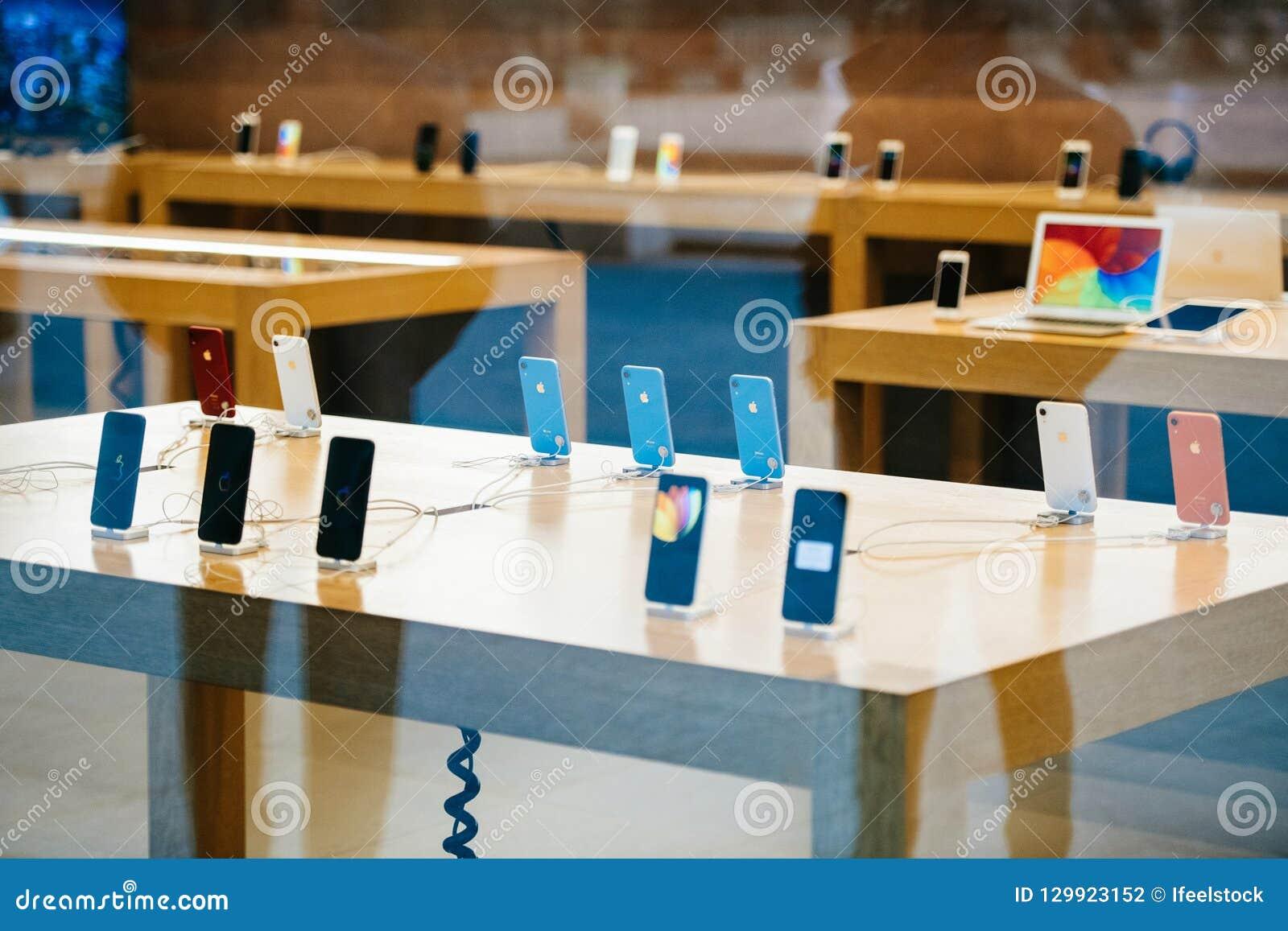 Tabellen med all iPhoneXr smartphone vid Apple-datorer lanserar