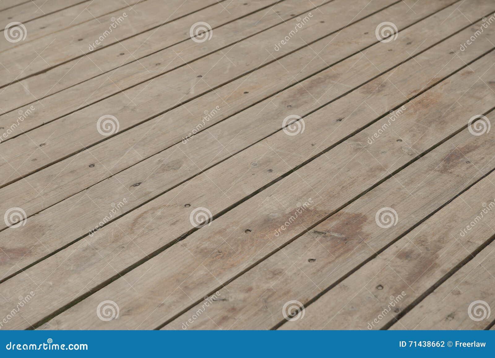 Tablón de madera anguloso