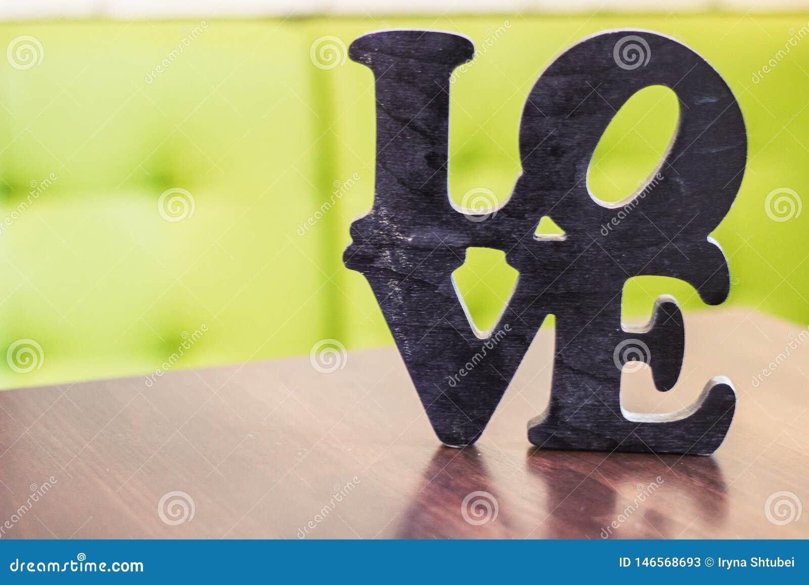 Tabla de madera del amor de la palabra