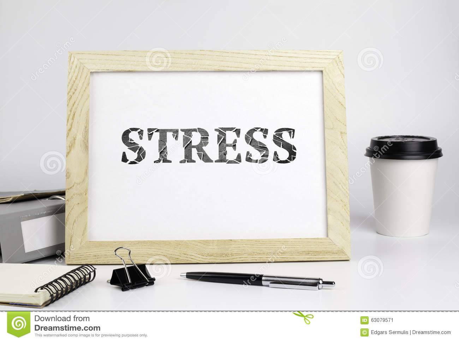 Download Table De Bureau Avec Le Cadre En Bois, Avec L'inscripsion - Effort Image stock - Image du dépression, négativité: 63079571