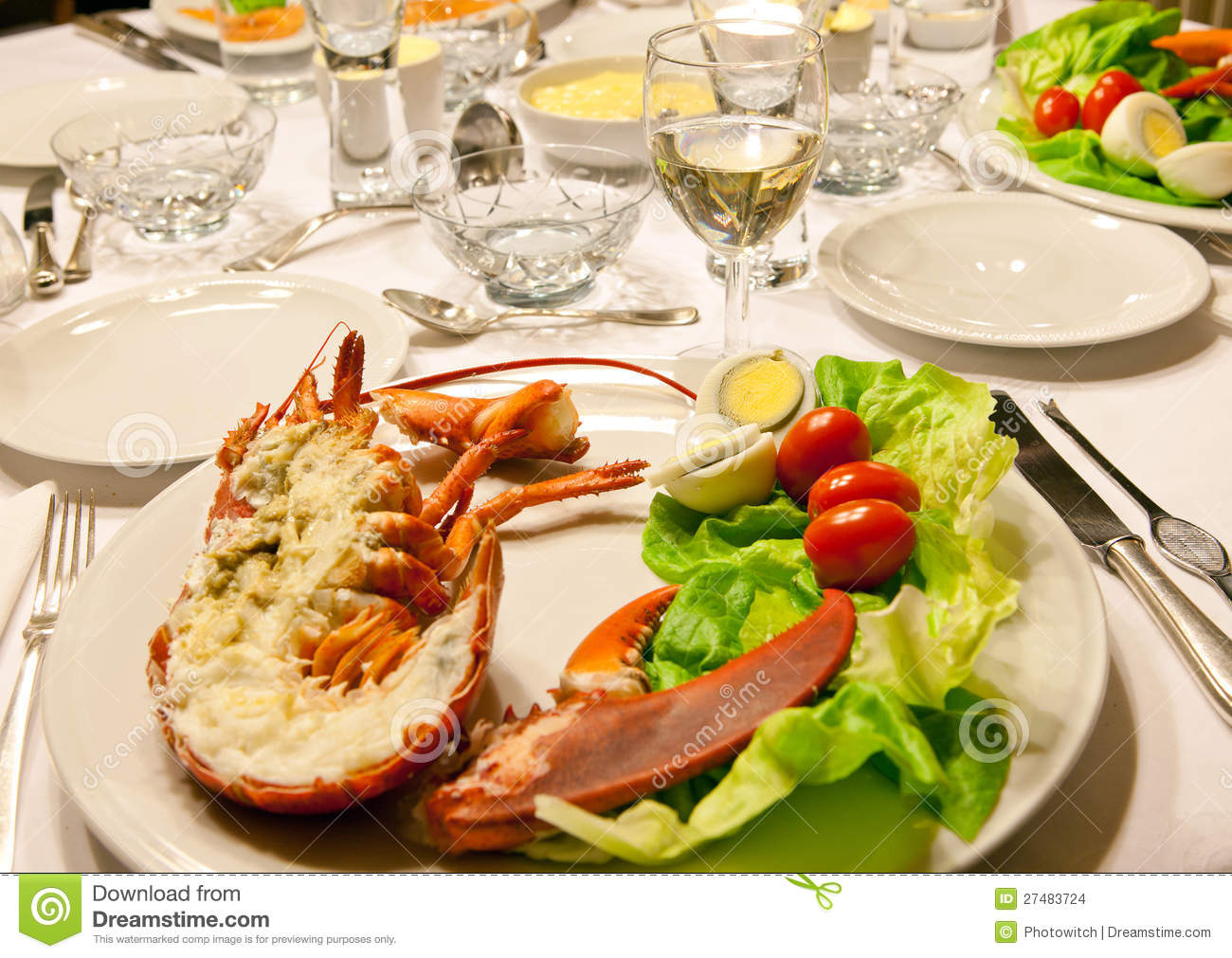 table de d ner de langoustine images stock image 27483724. Black Bedroom Furniture Sets. Home Design Ideas