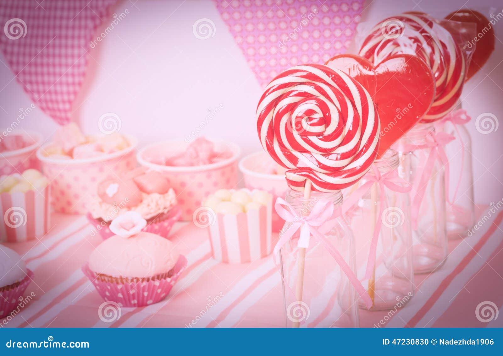 Table de dessert la f te d 39 anniversaire de filles photo for La table a dessert