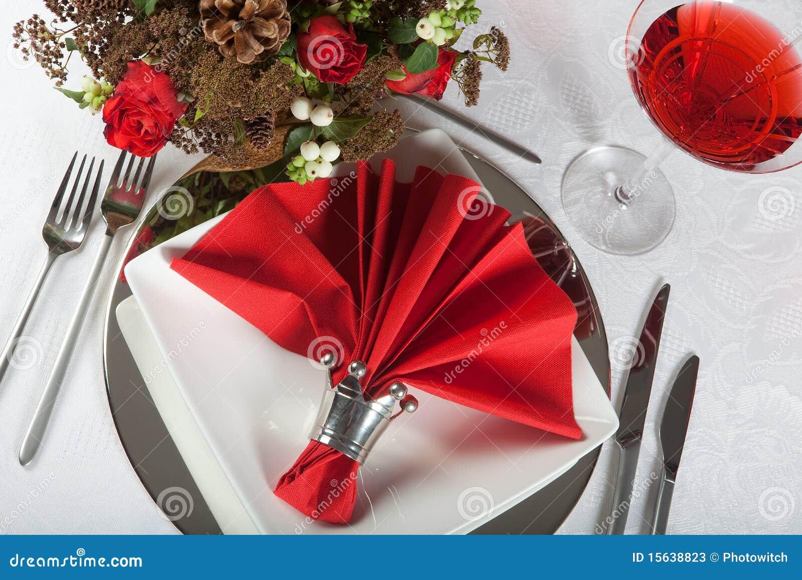 Table de f te en rouge et le blanc 5 photos stock image - Table de noel rouge et blanc ...
