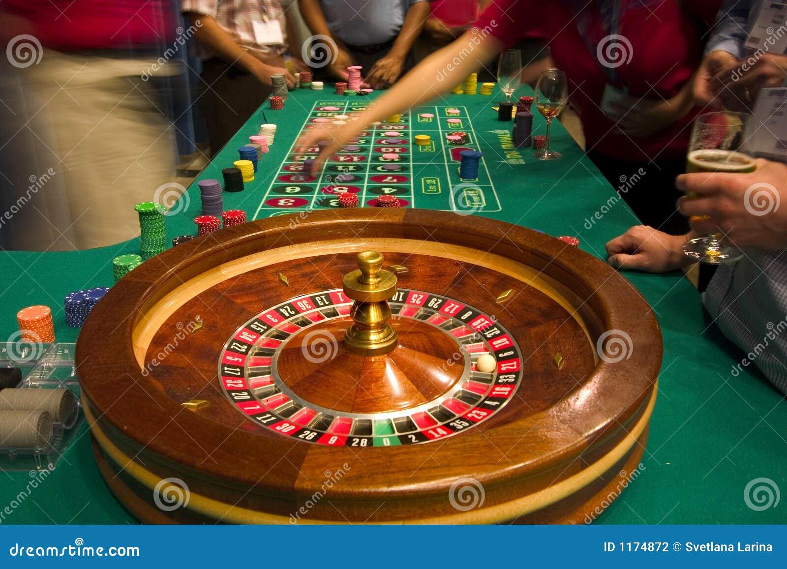 Table de roulette photographie stock image 1174872 - Table a roulette ...