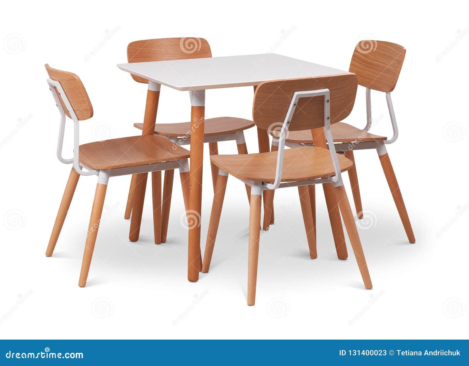 Table A Manger Carree table de salle à manger carrée en bois de brown avec quatre