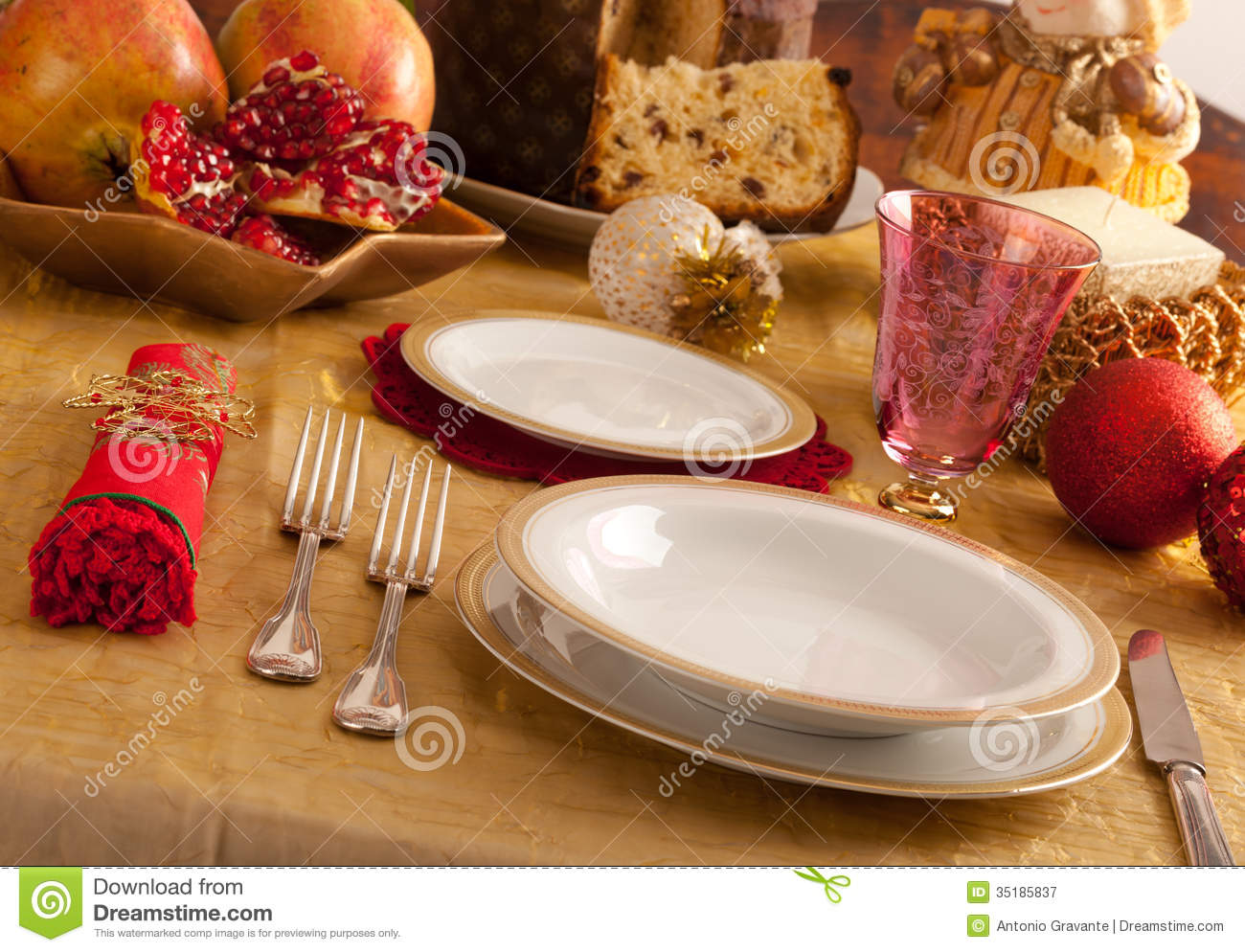 Table with decorations for christmas dinner royalty free for Ideas for christmas dinner