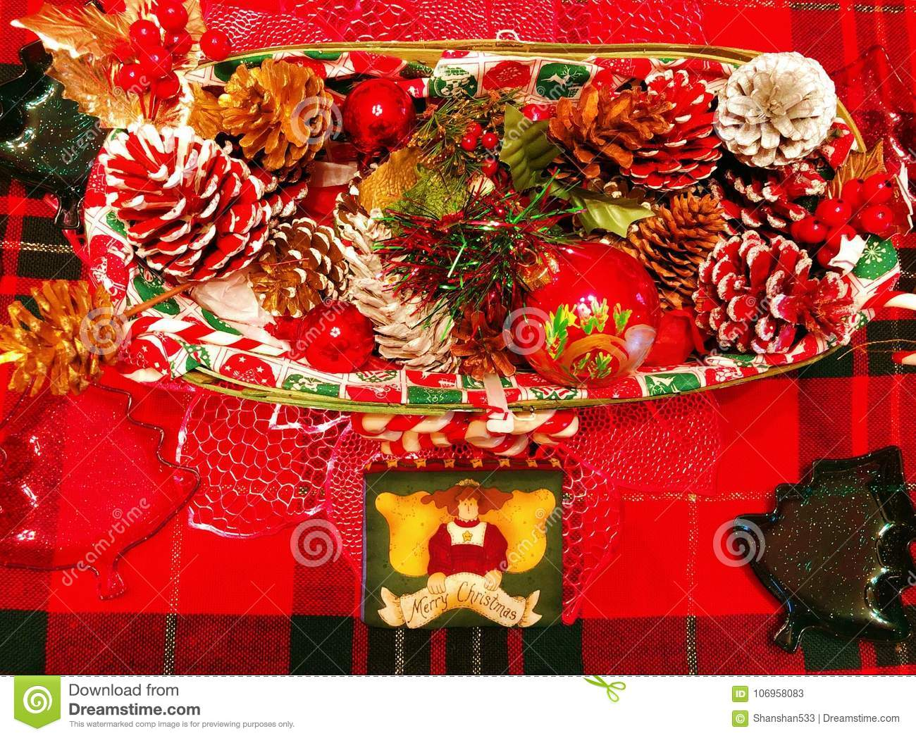 Christmas In Connecticut House.A Table Of Decorations For Christmas Stock Image Image Of