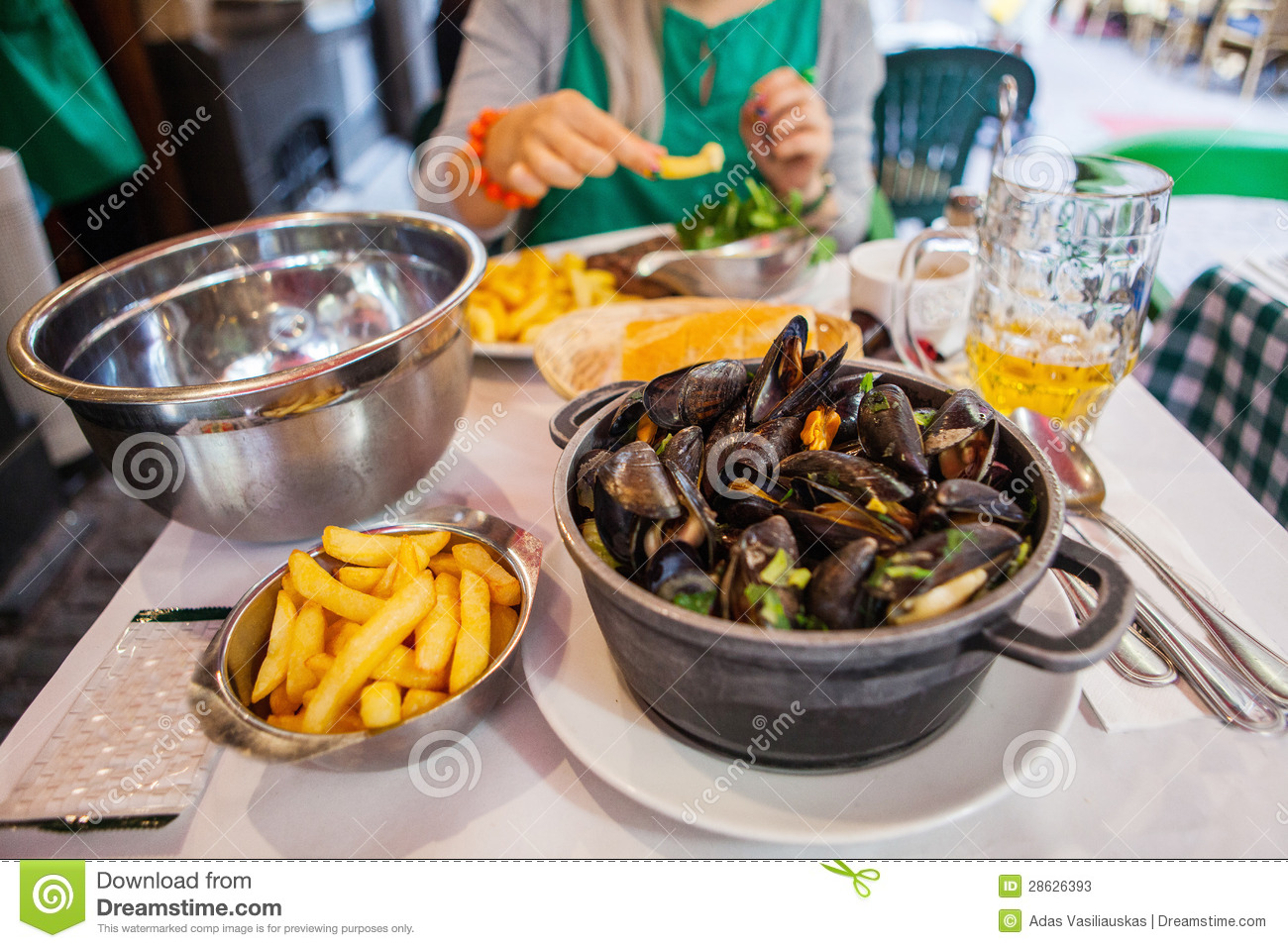 Table with mussels stock photos image 28626393 for Ada s fish fry