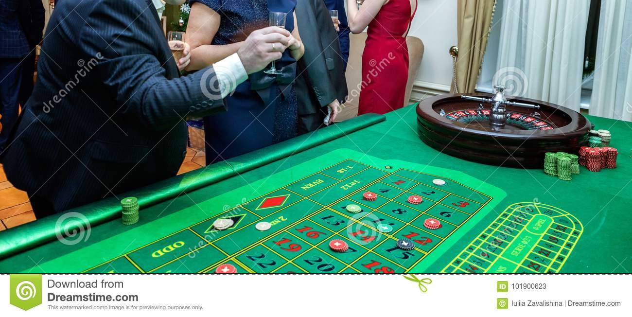 Handsome Casino Dealer Roulette Table Photos Free Royalty Free Stock Photos From Dreamstime