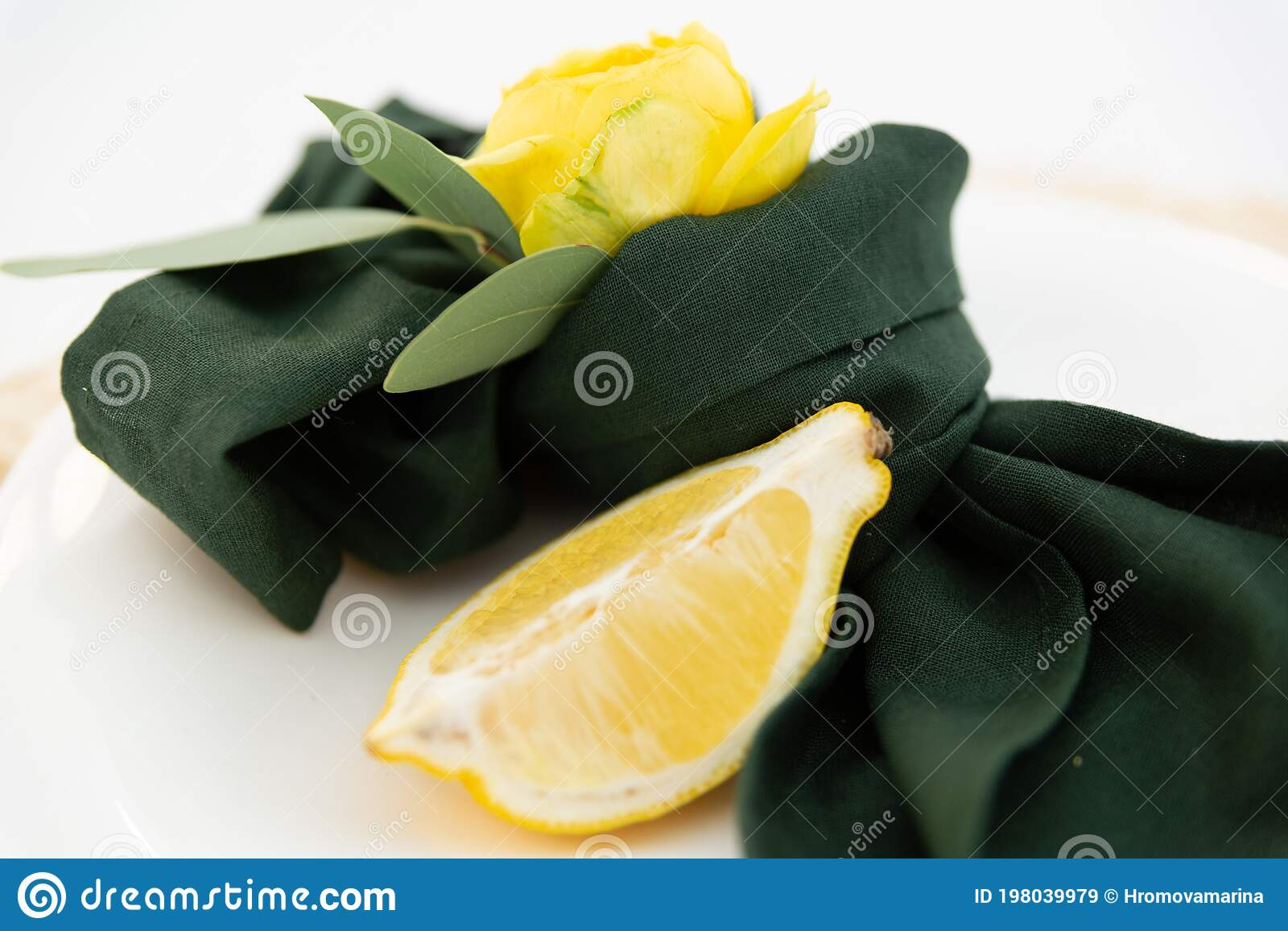 Table Setting Element Lemon Slice On A Plate Green Cloth Napkin And Yellow Flower Stock Image Image Of Place Luxury 198039979
