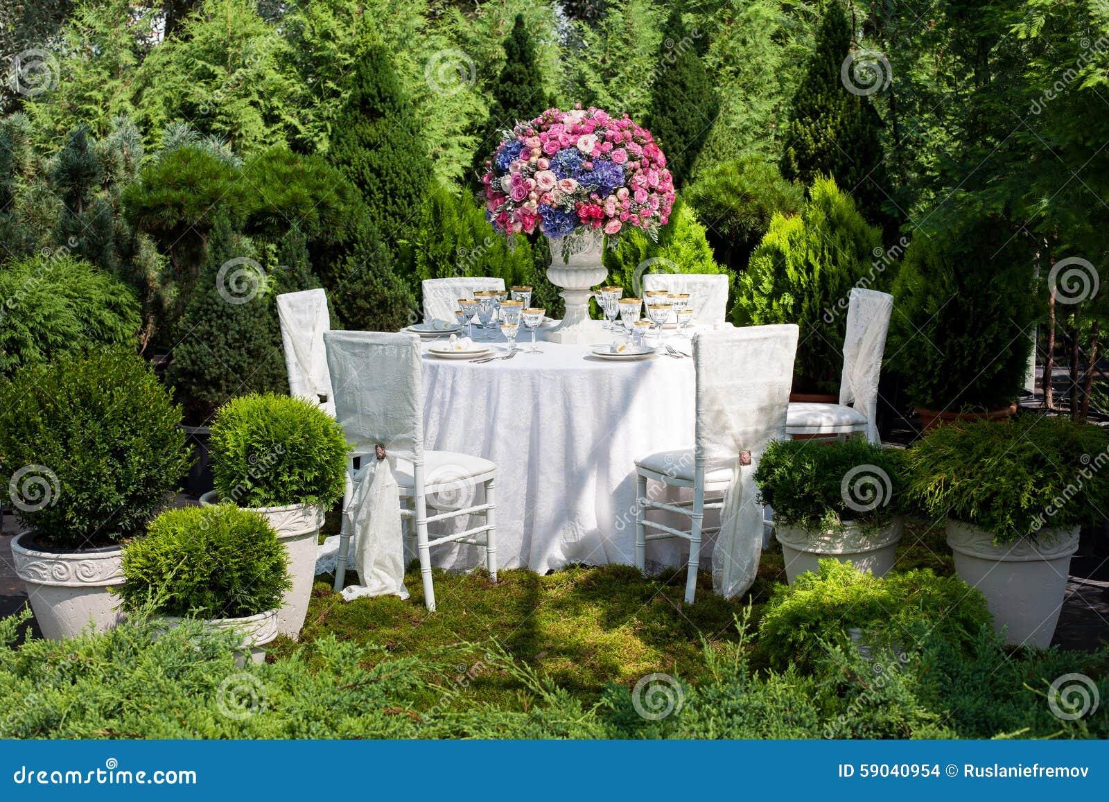 Luxury Backyard Wedding : Table Setting At A Luxury Wedding Reception Stock Photo  Image