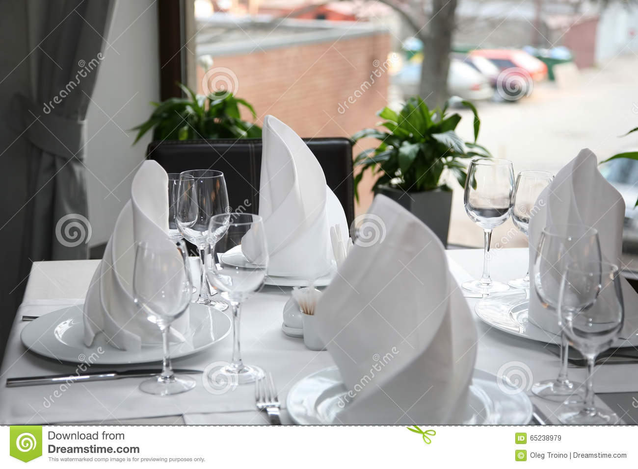 Table setting in a restaurant. Cutlery 93