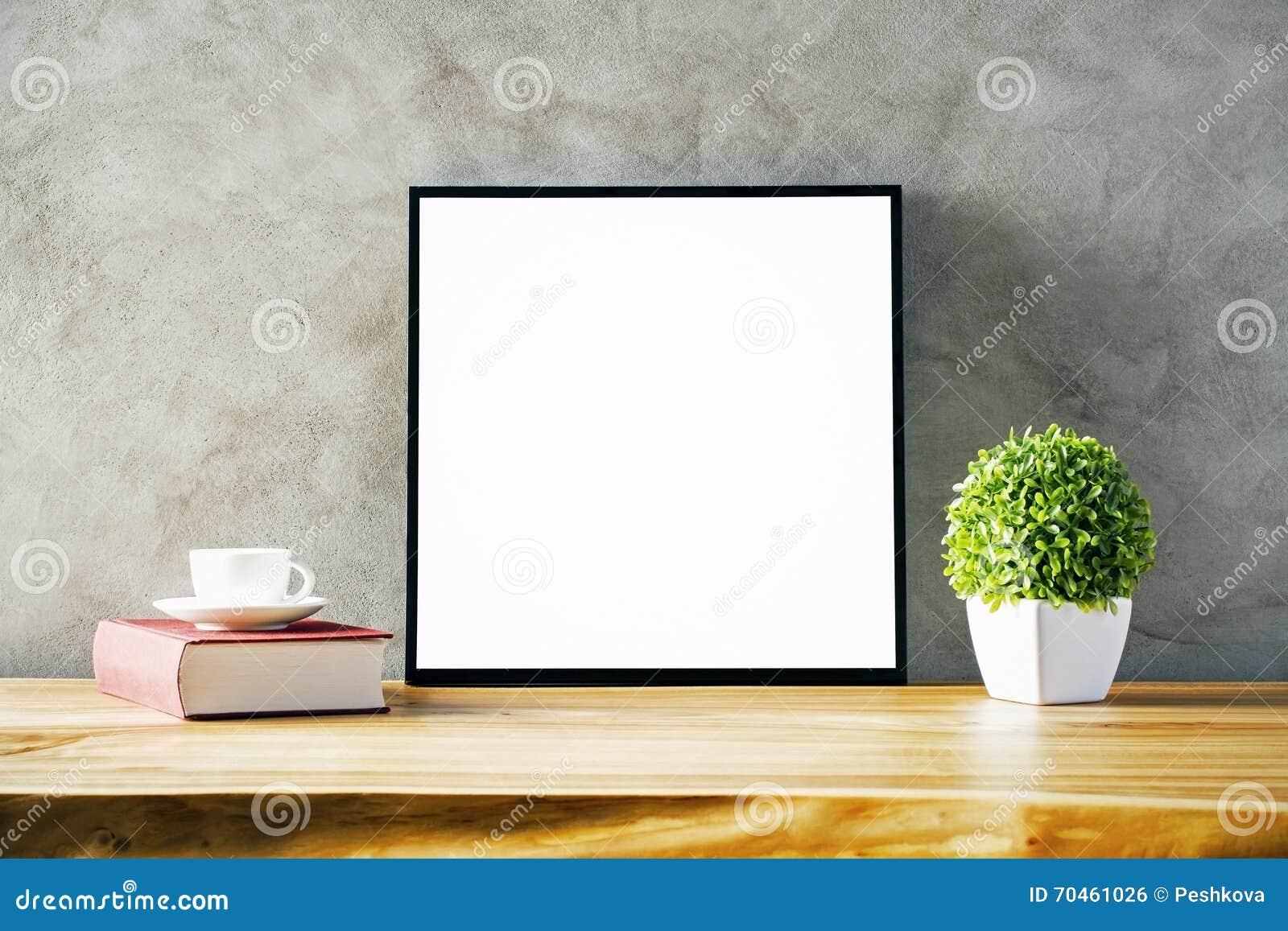 Tableau avec le cadre vide