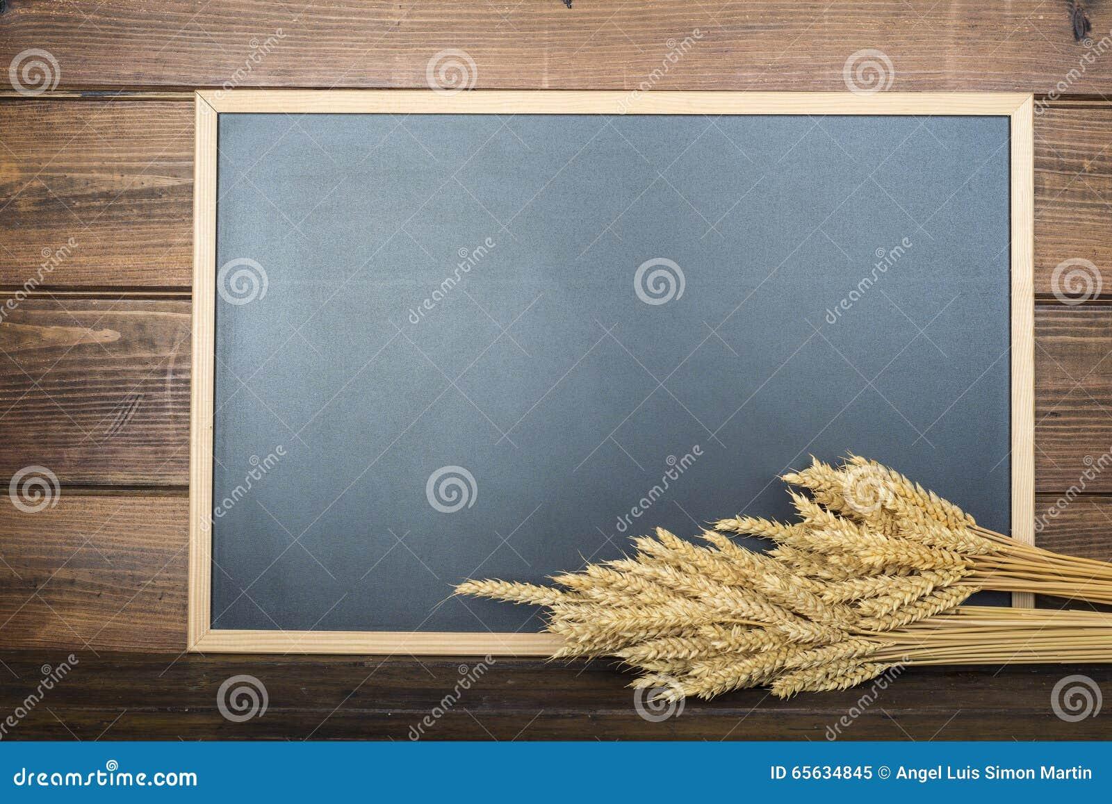 Tableau avec un espace et des céréales de copie