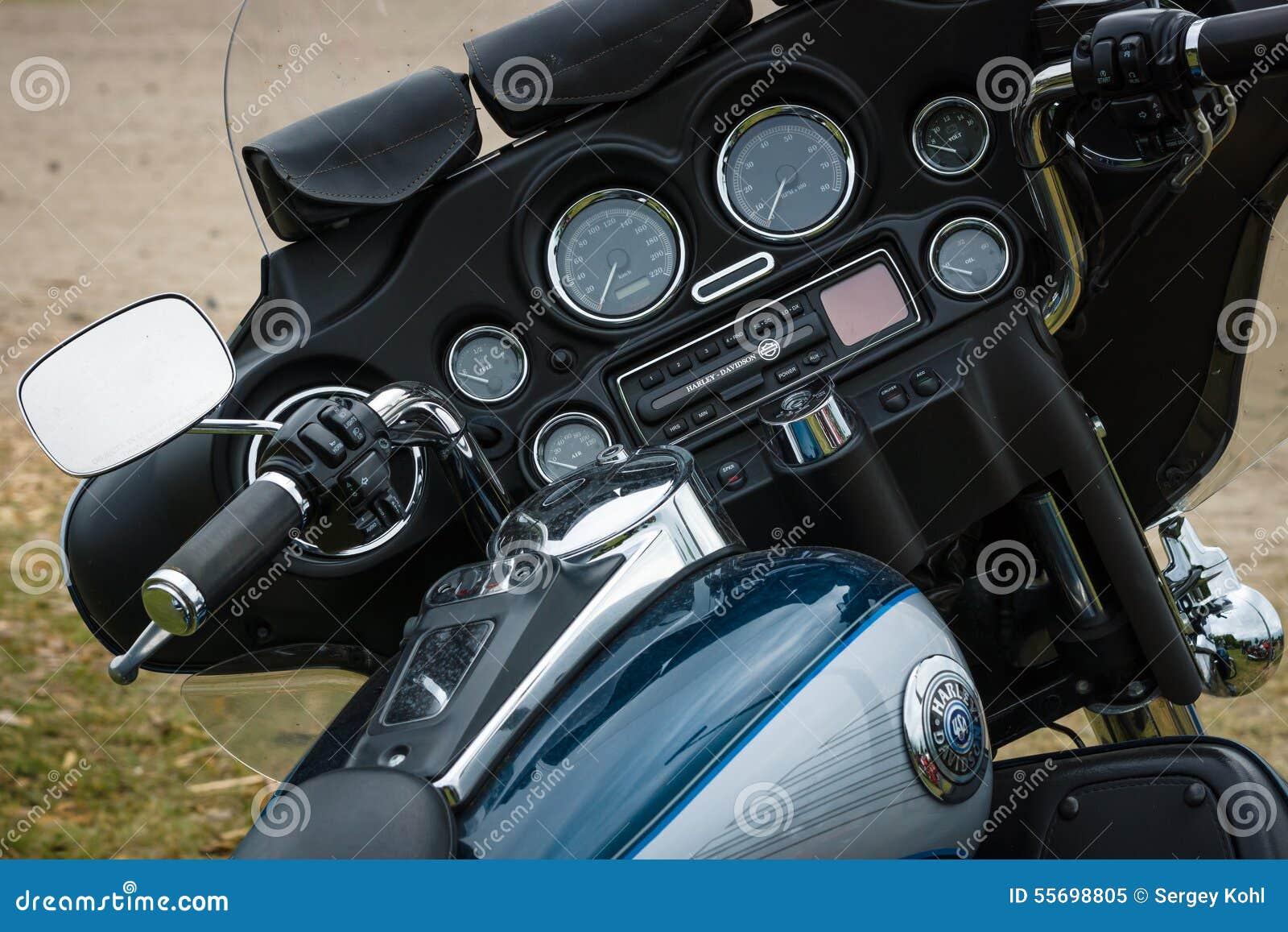 tableau de bord d 39 une moto harley davidson electra glide ultra classic image ditorial image. Black Bedroom Furniture Sets. Home Design Ideas