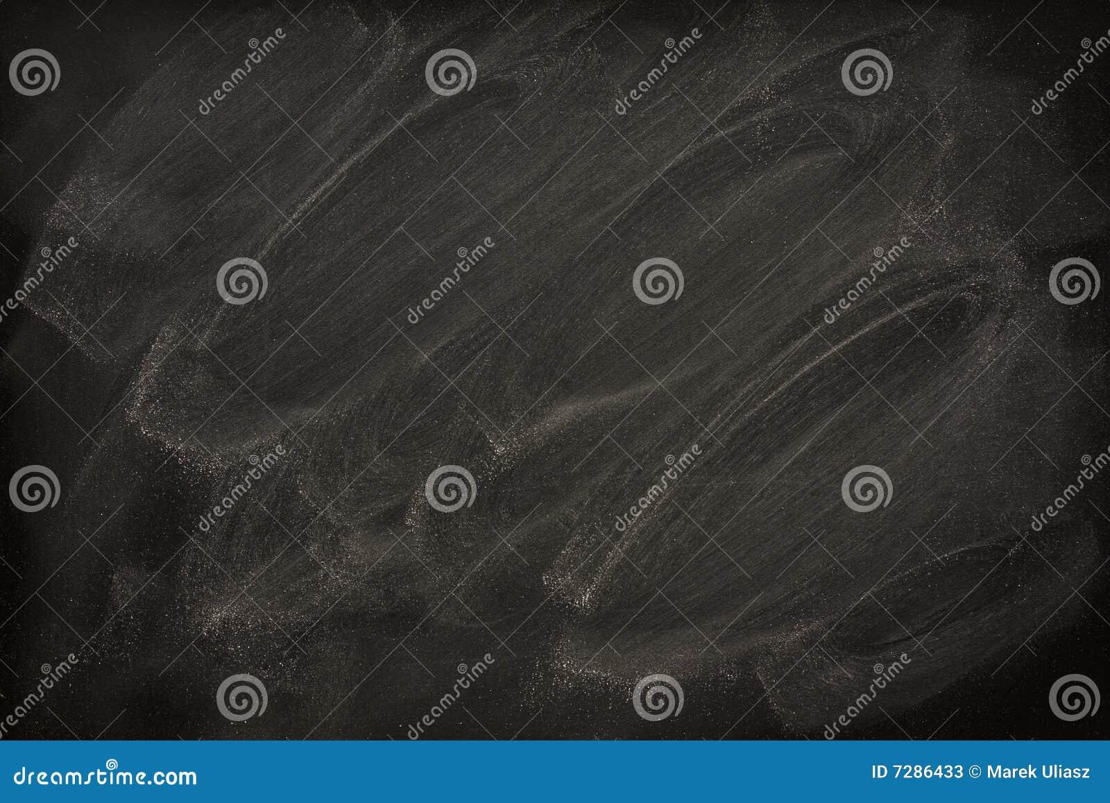 tableau noir blanc avec des bavures de craie image stock image du personne noir 7286433. Black Bedroom Furniture Sets. Home Design Ideas