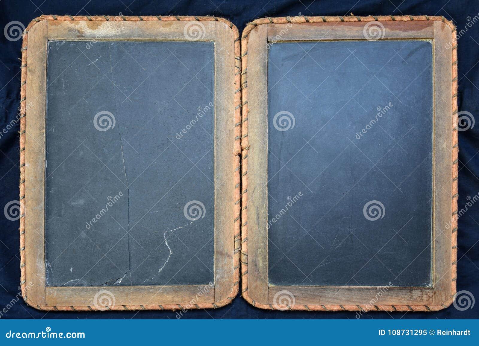 tableau noir d 39 cole de vintage fait en ardoise image stock image du brun antique 108731295. Black Bedroom Furniture Sets. Home Design Ideas