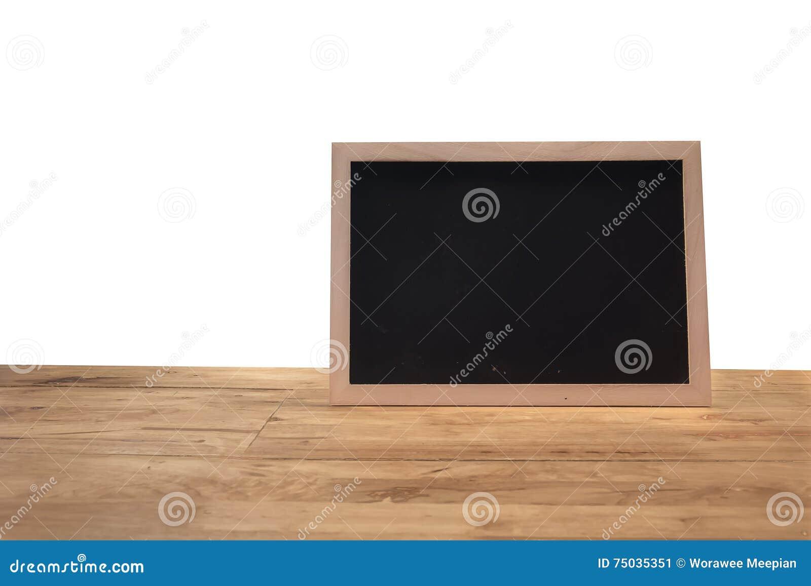 Tableau noir rustique de menu d ardoise d isolement sur le bureau