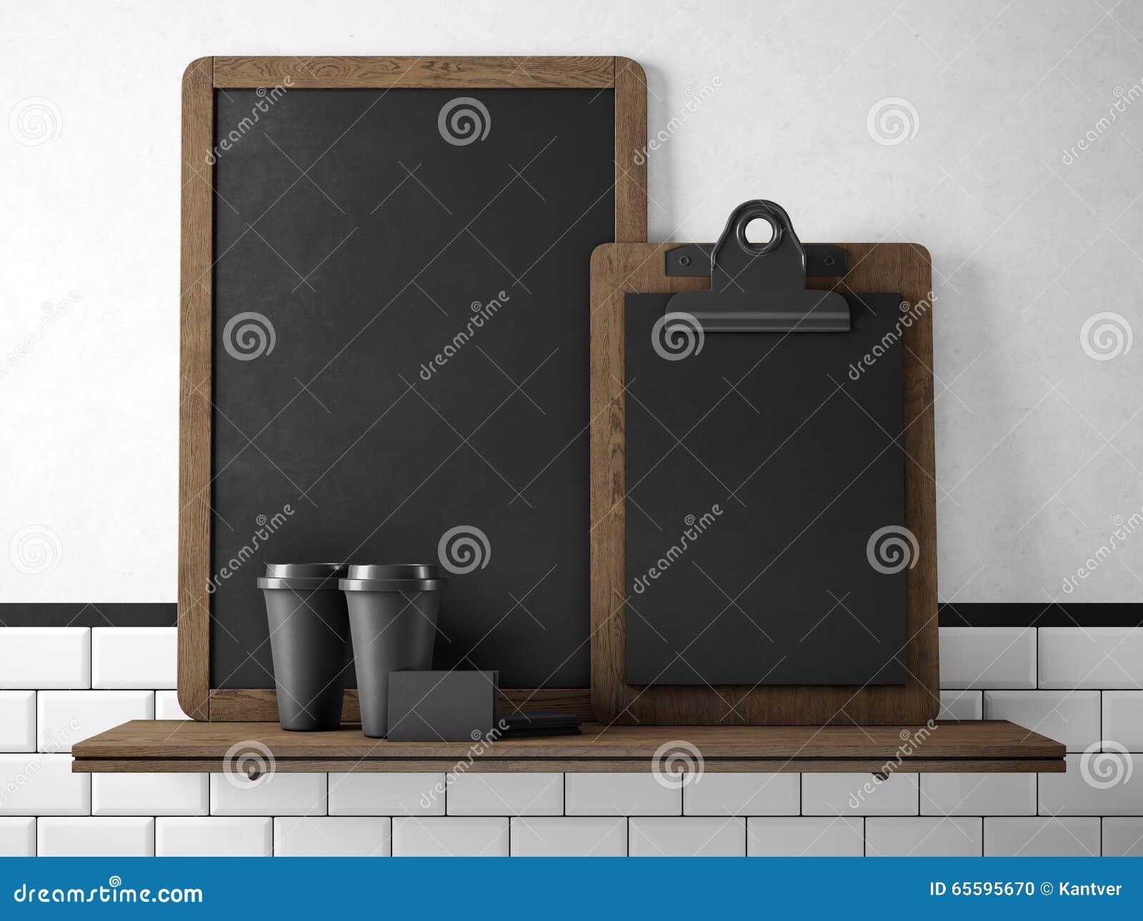 Tableau noir sur l étagère avec deux tasses de café en blanc