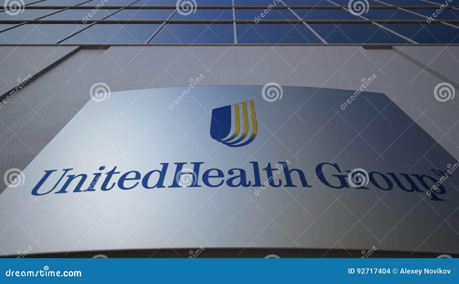 Tablero al aire libre de la señalización con el logotipo del grupo de UnitedHealth Edificio de oficinas moderno Representación ed