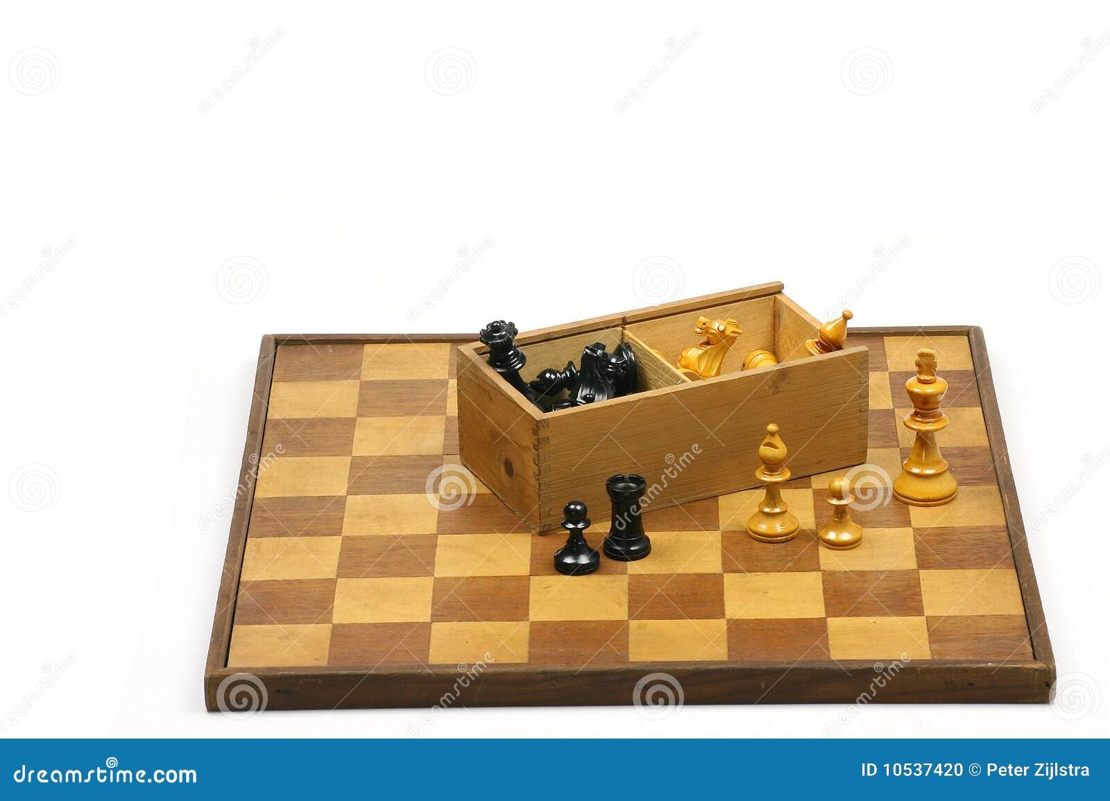 Tablero de ajedrez de madera foto de archivo imagen - Tablero madera ...