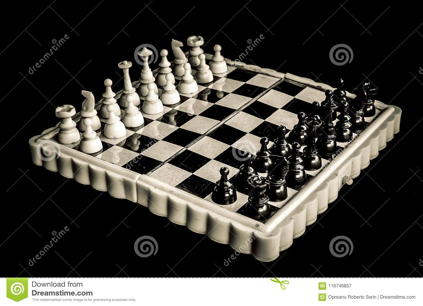 Tablero de ajedrez magnético del vintage