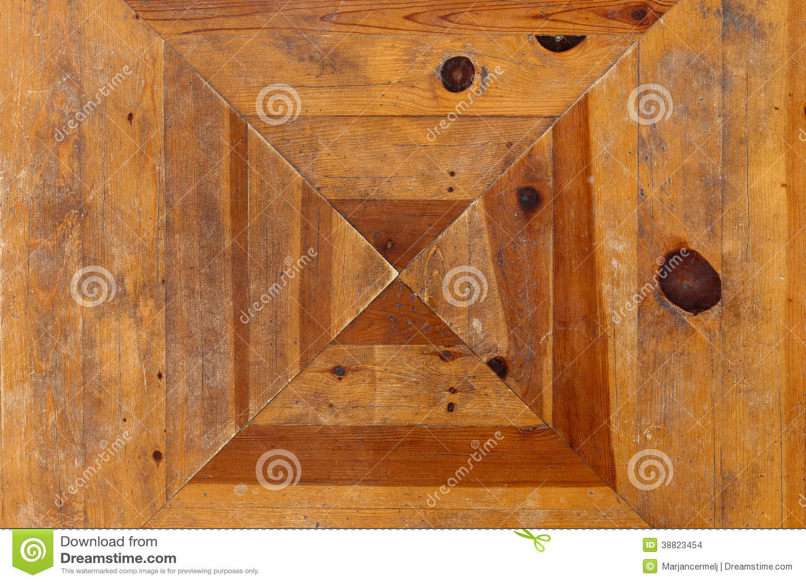 Tablero de tabla r stico de madera de pino tejado foto de for Tejados de madera rusticos