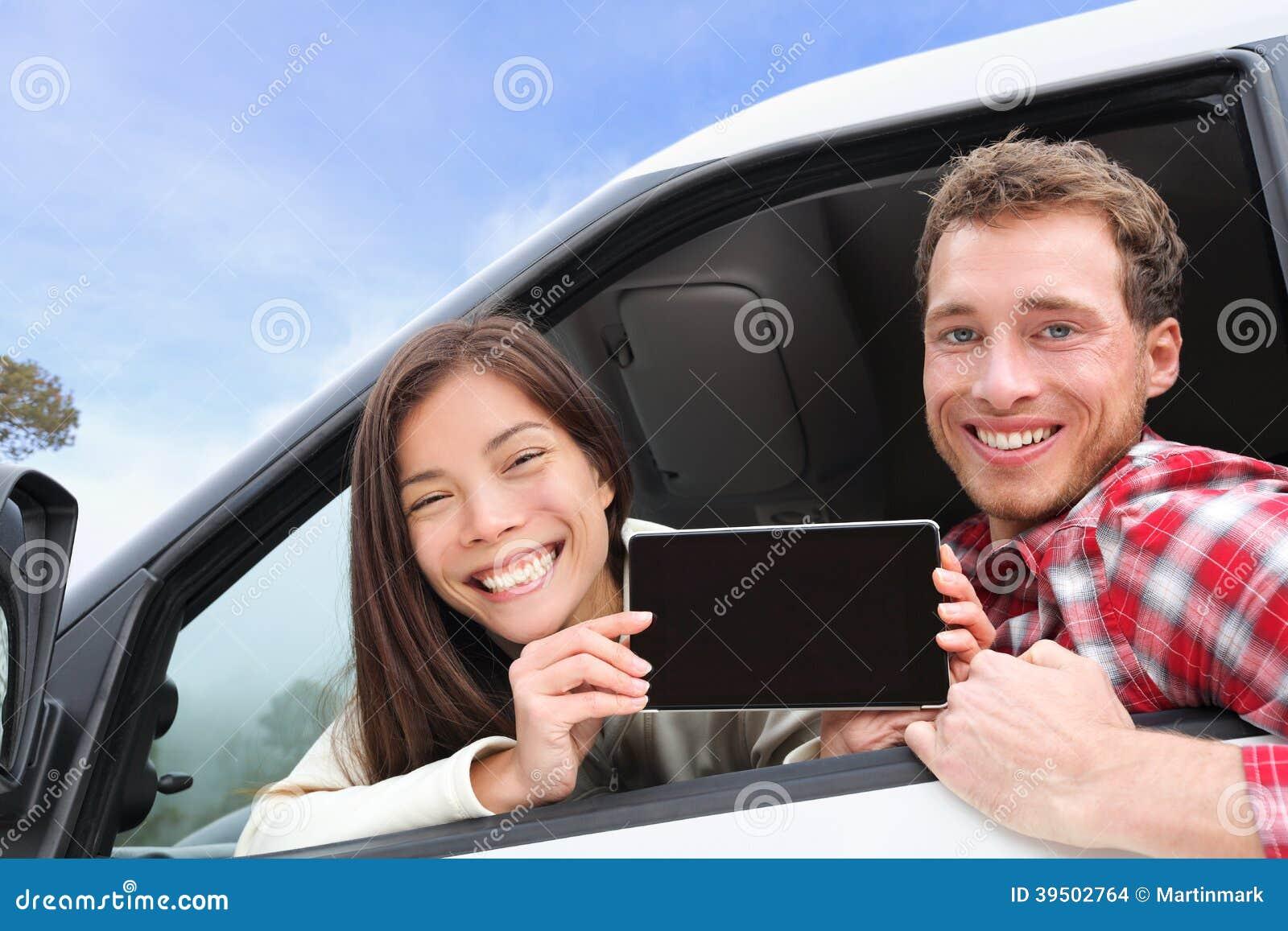 Tablet pc - par no carro que mostra a tela