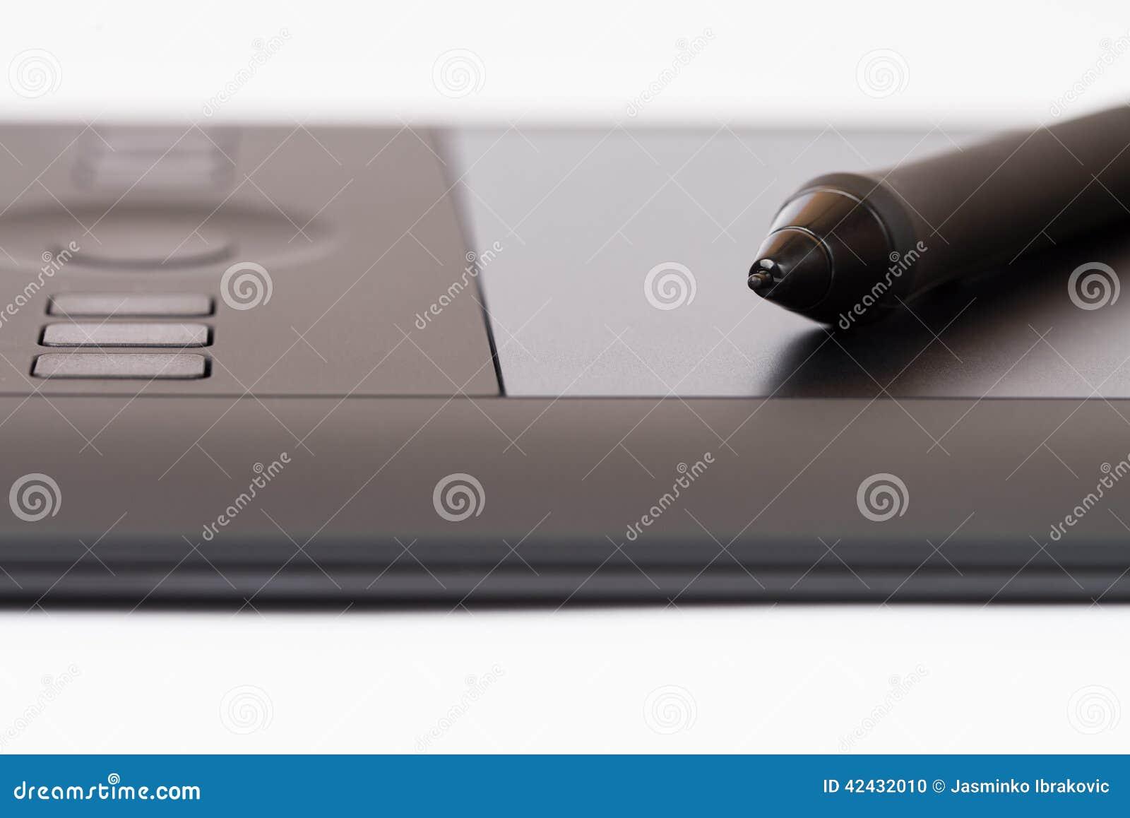 Tableta gráfica con Pen On White Background