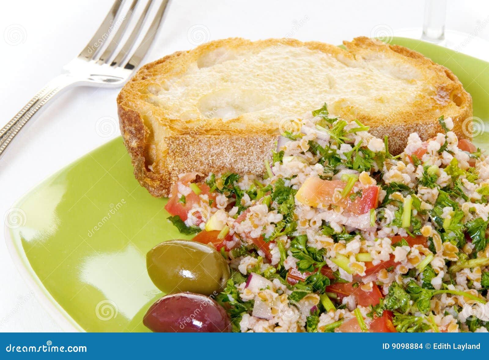 Tabouli Salat mit Toast
