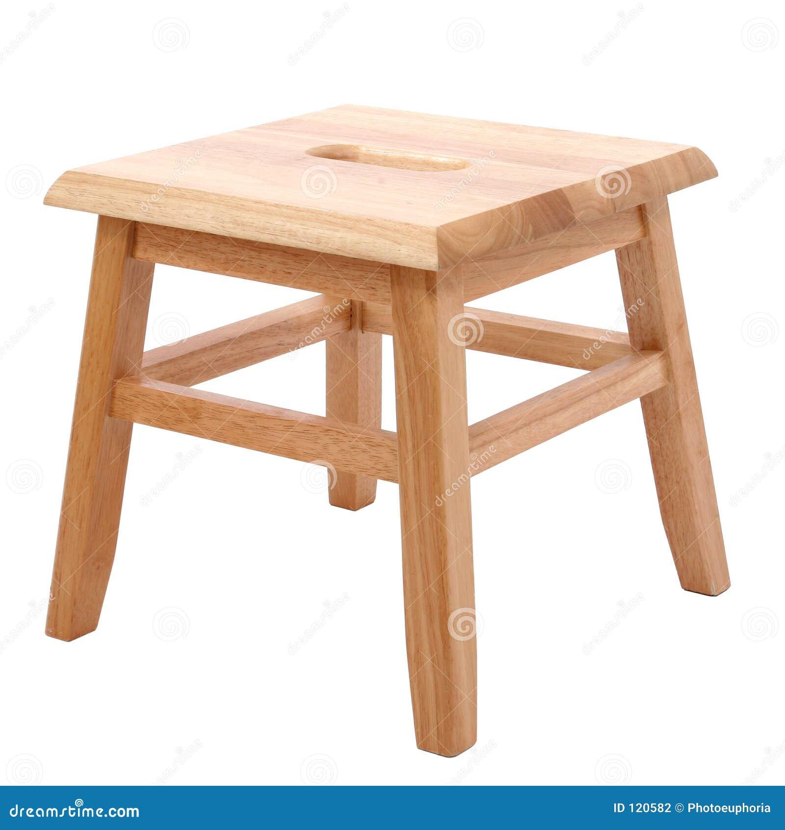 tabouret en bois au dessus de blanc photographie stock image 120582. Black Bedroom Furniture Sets. Home Design Ideas