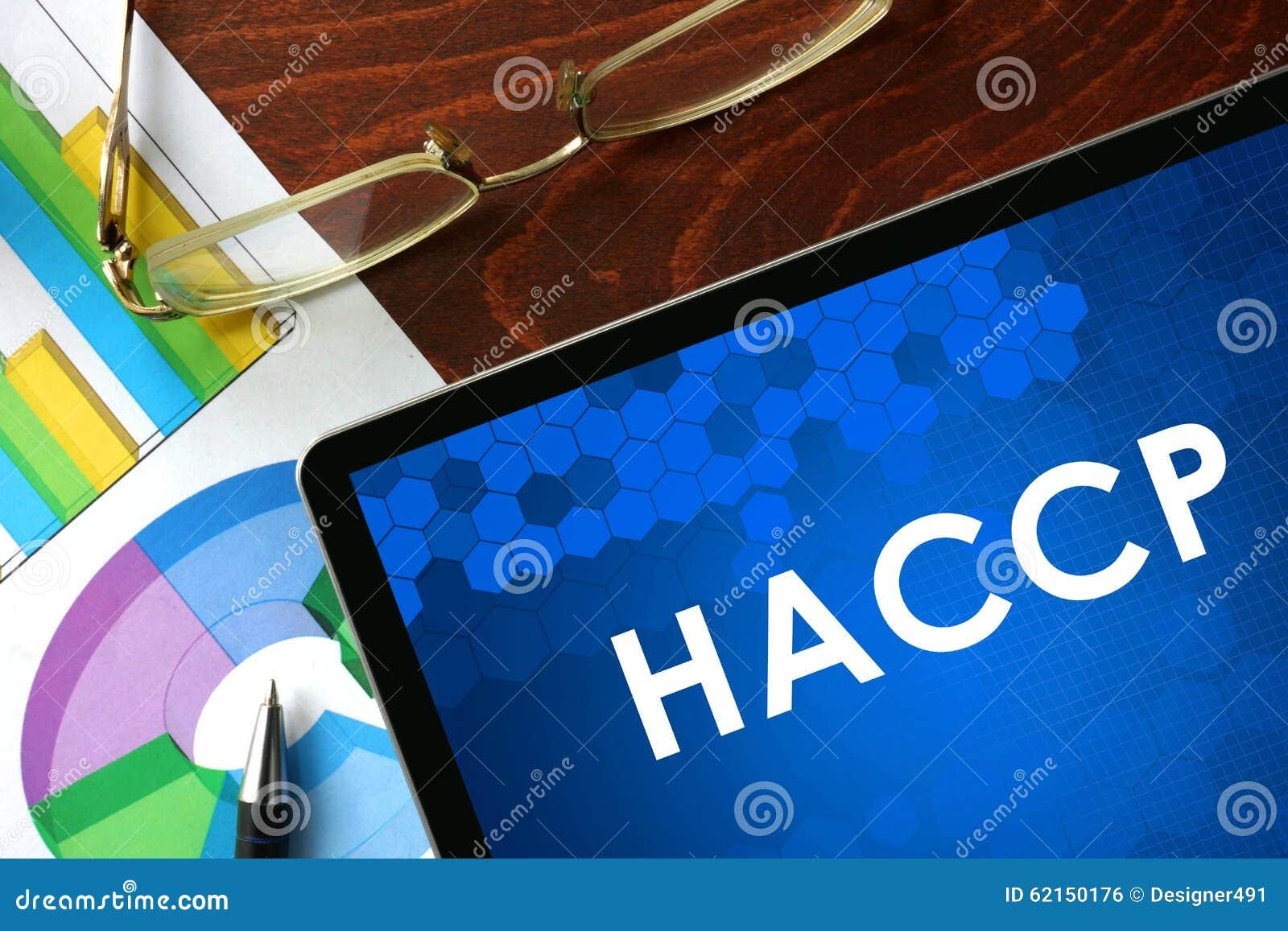 Tabuleta com HACCP em uma tabela