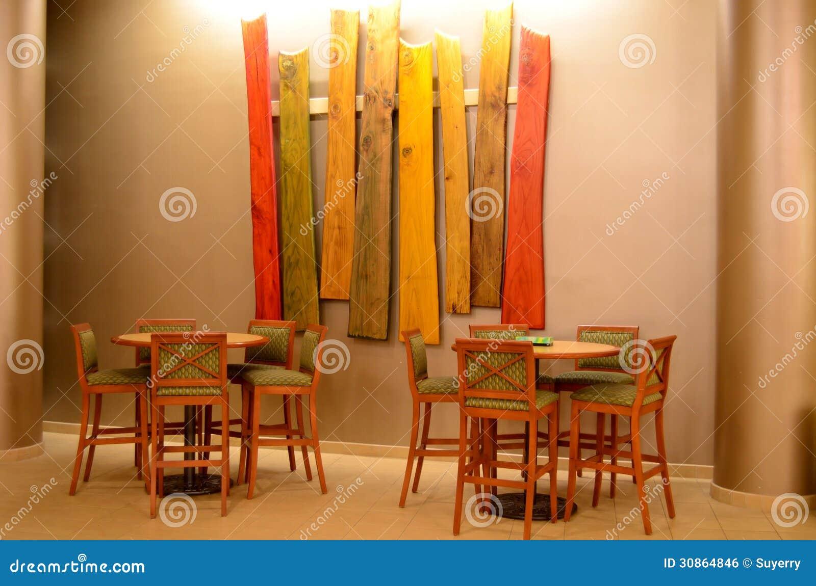 Taburetes de bar y tablas arte de madera imagen de for Taburetes de bar de madera
