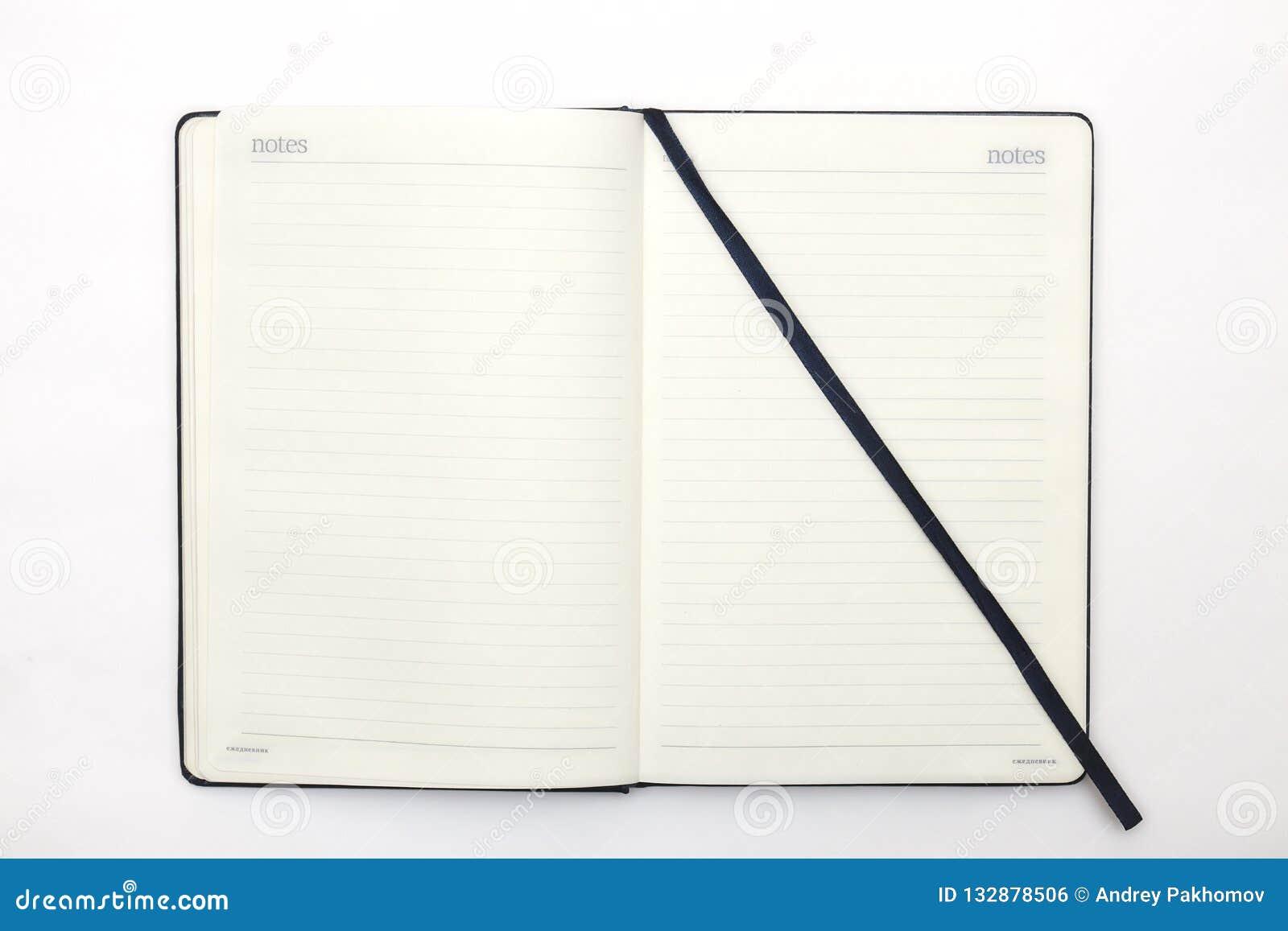 Taccuino e penna su fondo bianco Fondo astratto per il disegno e schizzare diario per l affare e lo studio