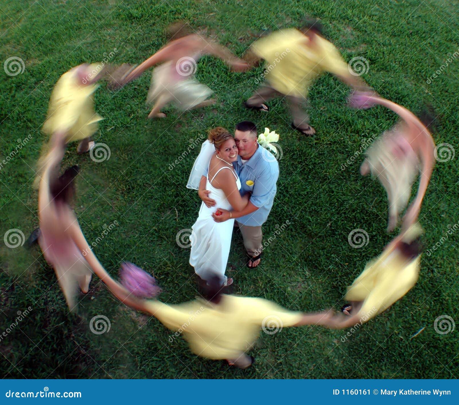 Tache floue de cercle de mariage