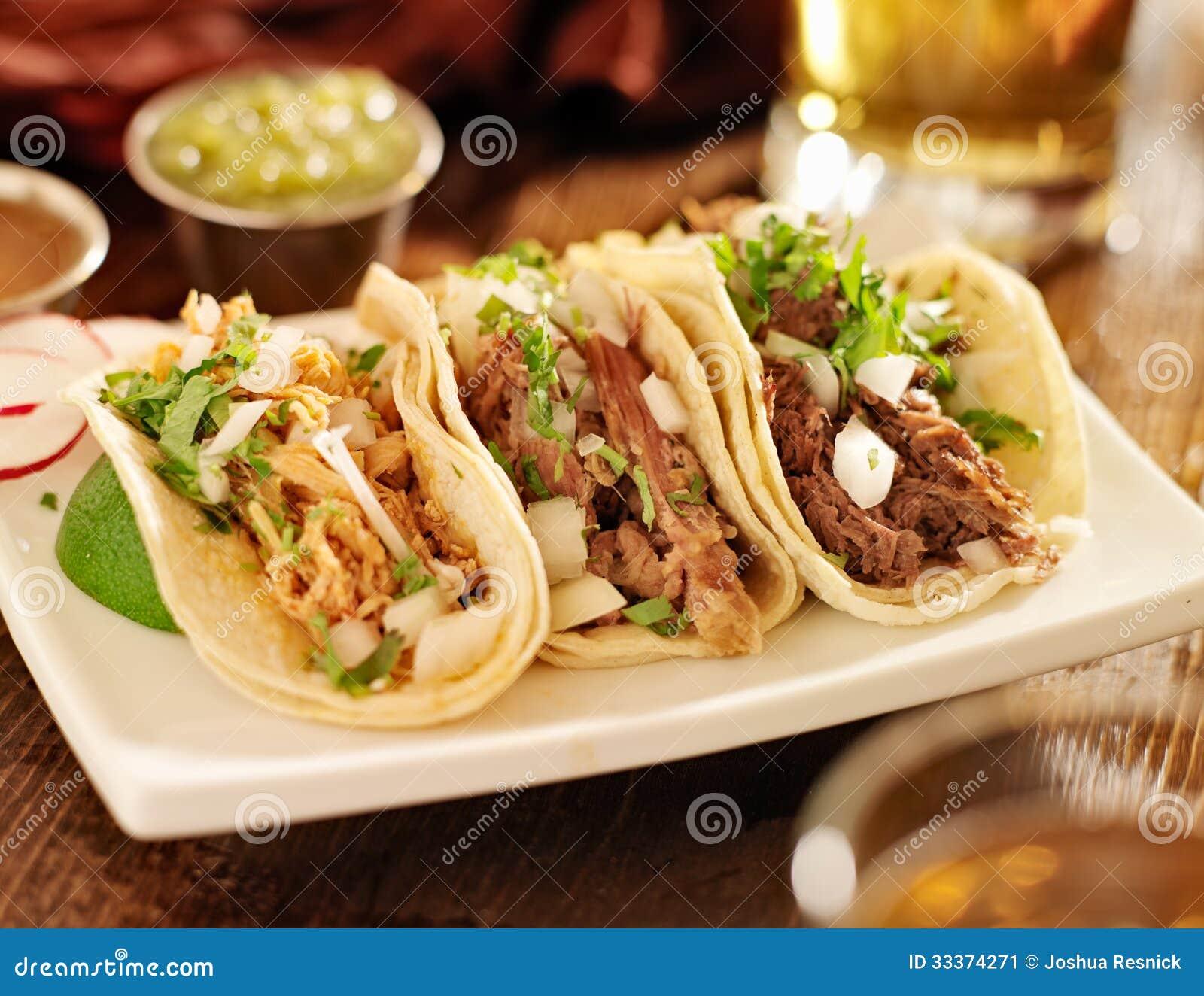 Tacos mexicanos aut nticos imagen de archivo imagen de - Tacos mexicanos de pollo ...