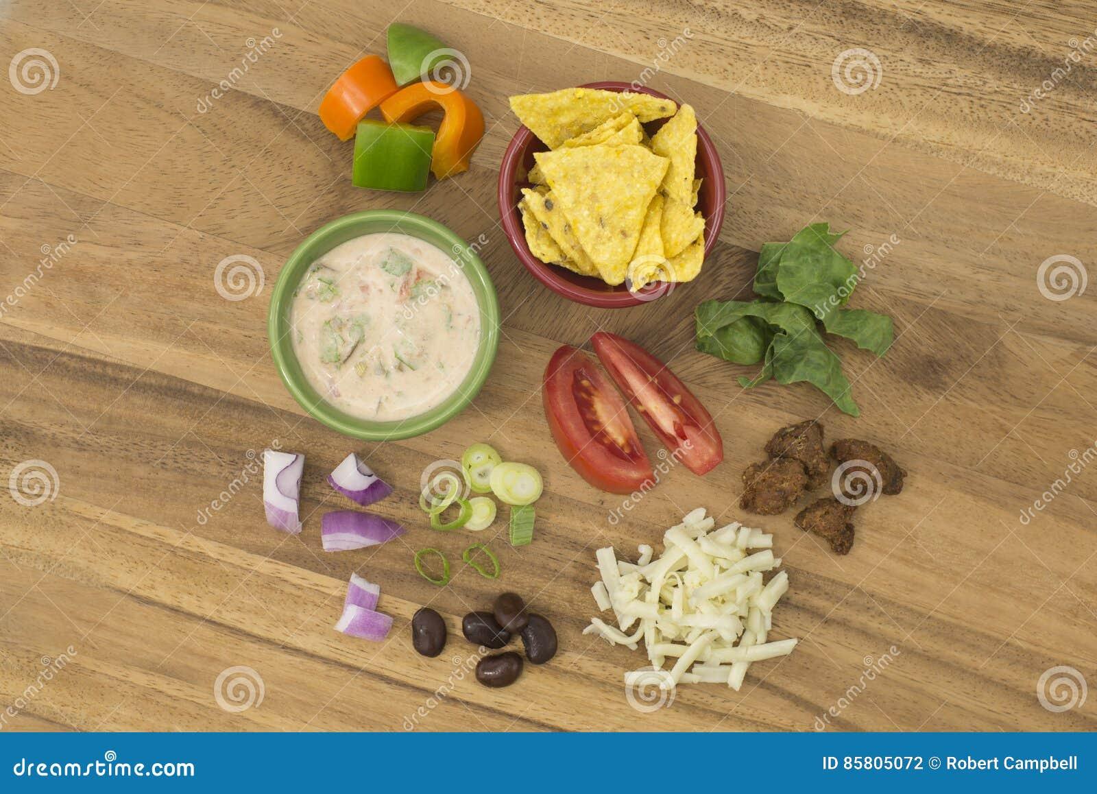 Tacosalade met Salsa-het Kleden zich ingrediënten